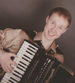Антон Силкин (аккордеон)