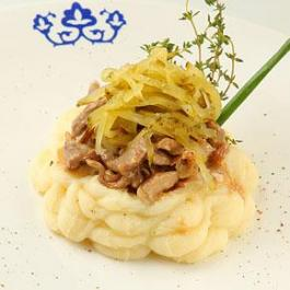 Бефстроганов из телятины с картофельным пюре